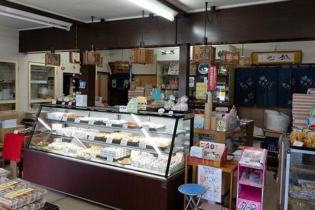 御菓子處たなかの店内。店舗は12月にすぐ近くに移転予定。