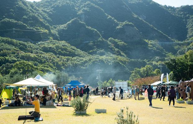 会場となった〈小豆島オートビレッジYOSHIDA〉は人気のキャンプ場。