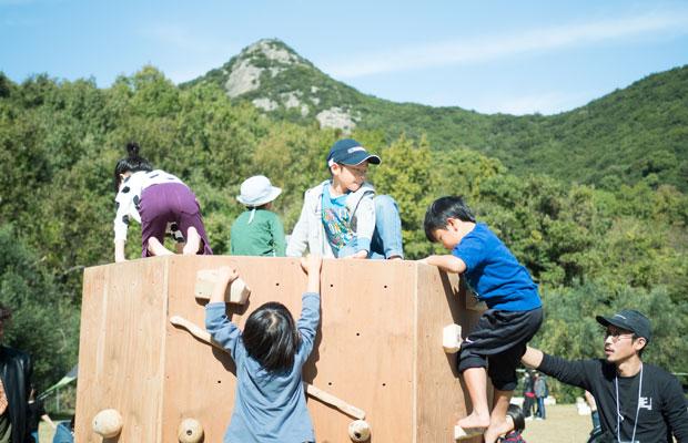 登るのってシンプルで楽しい。小さな子どもたちがずっと遊んでました。