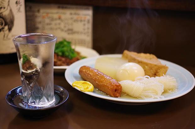夏でも提供しているおでんや、大阪の味どて焼きなど、一度来たら常連になりたくなる、そんなお店です。
