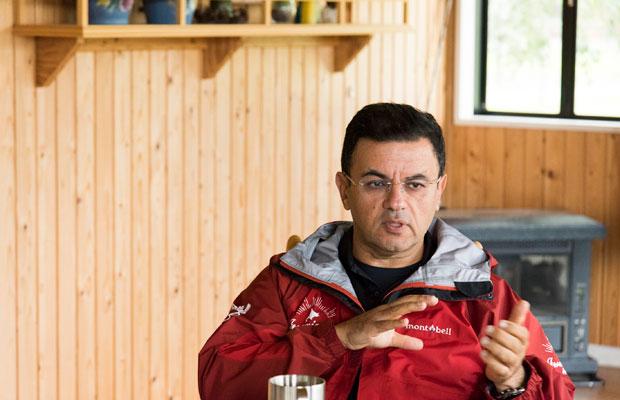 自然が好きで北海道に移住したというスティーブン・ホジャティさん。