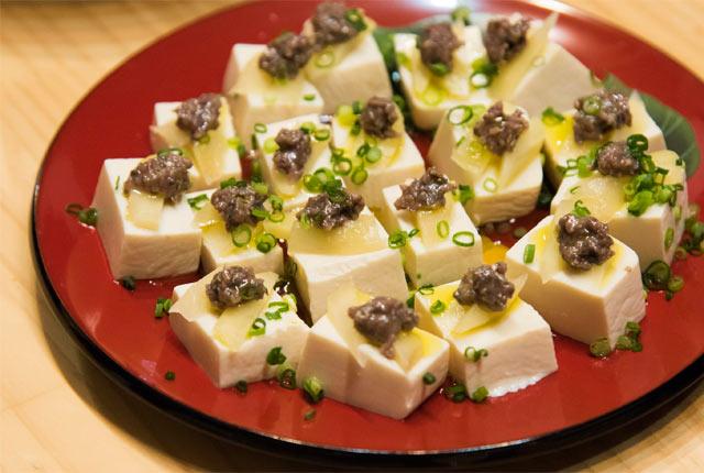 スク豆腐のような自家製オイルサーディン豆腐