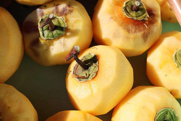 皮をむいた渋柿