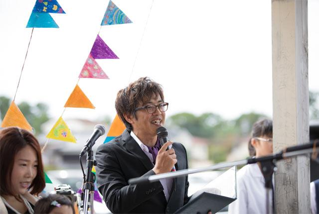 〈まちぐるみWedding〉で司会を務める佐々木さん。2019年は新たに山口県PTAの広報の理事に就任し、多忙を極める。