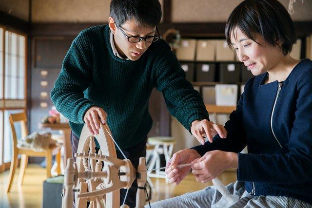 土曜日に開催される体験のうち、「糸紡ぎ」は60分で1800円+材料代200円程度。簡単そうにみえて、意外と難しい。慣れてしまえばスムーズとのこと。