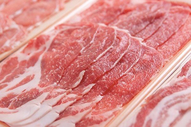 佐助豚の脂は、約36度と人間の体温と同じくらいの融点なので、冷めても、体の中でも脂が固まりにくい。