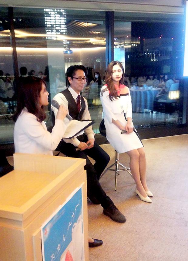 左から栃木在住のフリーアナウンサー、野澤朋代さん、〈銀座千疋屋〉の果実バイヤー、石部一保さん、とちぎ未来大使・スカイベリーメッセンジャーの筑井美佑輝さん。