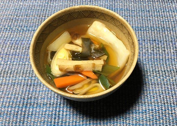 7種の具材が入った、田中さん宅のお雑煮。