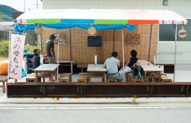 〈瀬戸内国際芸術祭2019〉の期間中営業されていた〈瀬戸一食堂〉さんでは、鱧定食や鱧天丼など、浜の母ちゃんたちがつくってくれるごはんを食べられました。