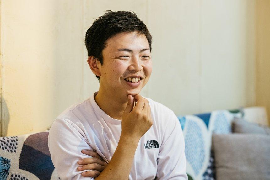 藤井さん。明るい笑顔からポジティブな性格がうかがえた。