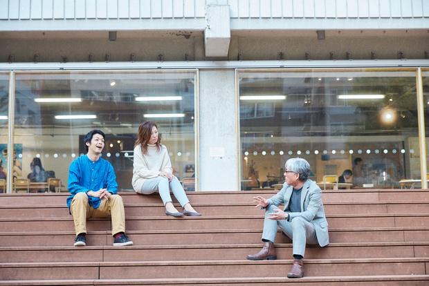 会場は東京の末広町にある〈3331 Arts Chiyoda〉。中学校跡地をリノベーションしてできた施設だ。