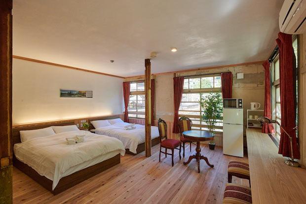 〈高野〉は、44平方メートルの広々とした客室。