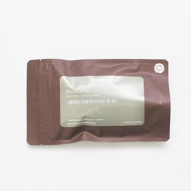 そば、うどんのつゆ、天つゆ、ポトフにおすすめな〈IZU BLEND〉 8グラム×10袋入 り 1,296円(税込)