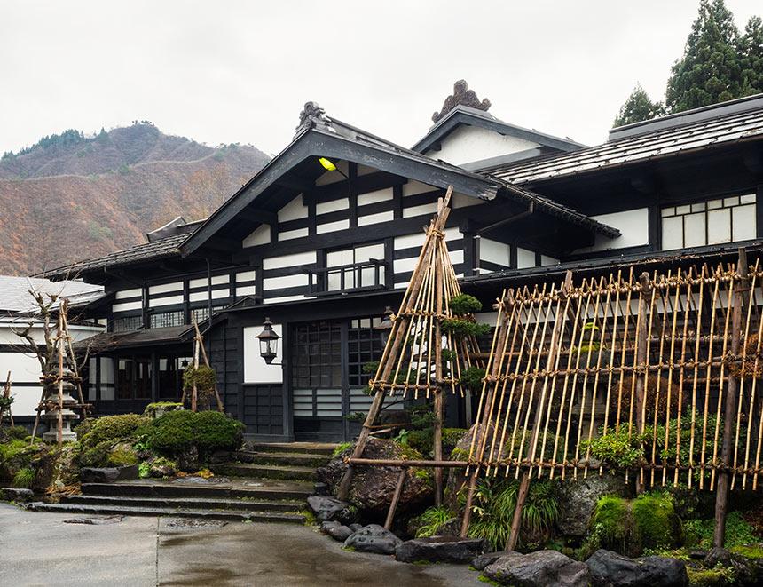 〈ryugon(りゅうごん)〉四季を通じて雪国の叡智を体感する、デザインコンシャスな宿
