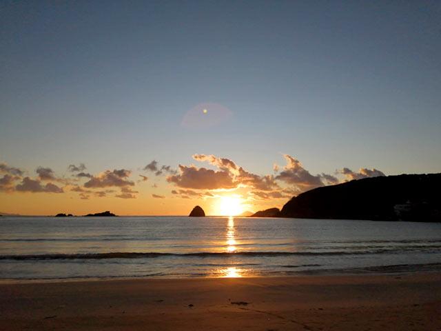下田の海と夕日