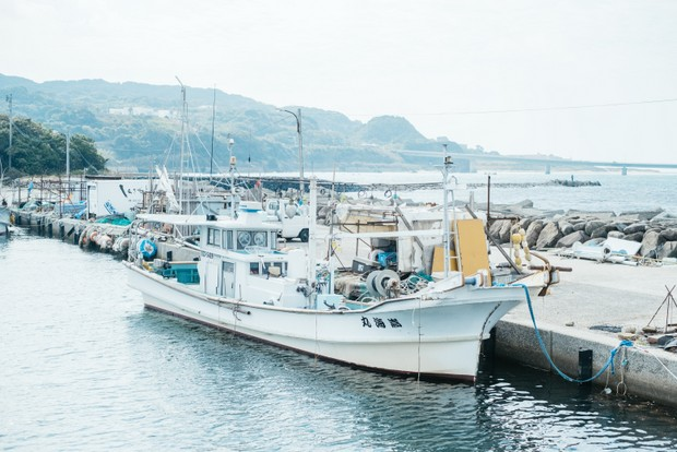 佐藤さん夫妻の船。「嵩海丸(たかみまる)」の「嵩」は嵩宗さんの名前から取ったそう。