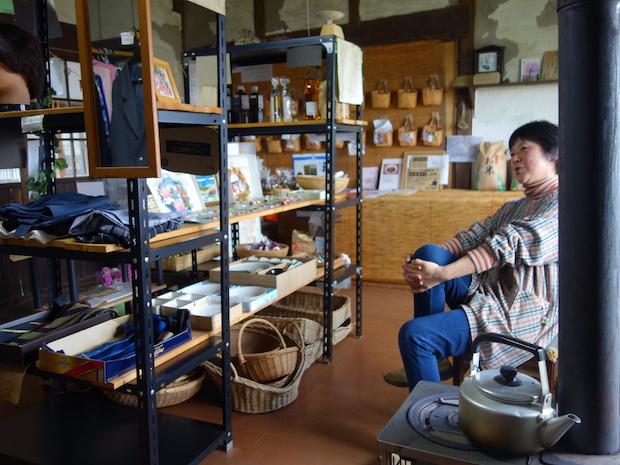 オーナーの及川久仁江さん。