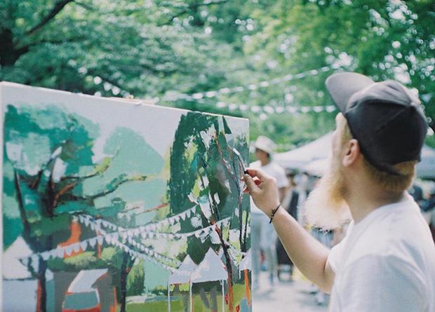 熊本市の江津湖で開催される野外イベント『江津湖Living』でライブペインティングを行った。撮影:haco 平田克広