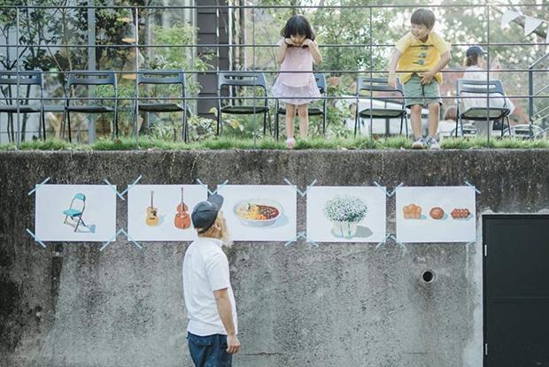 子どもたちが通りすがりに「こんにちは!」と声をかけてくれる、そんな何気ないことで心があたたかい気持ちになる。都会では感じられなかった、田舎ならではの光景。撮影:山口亜希子