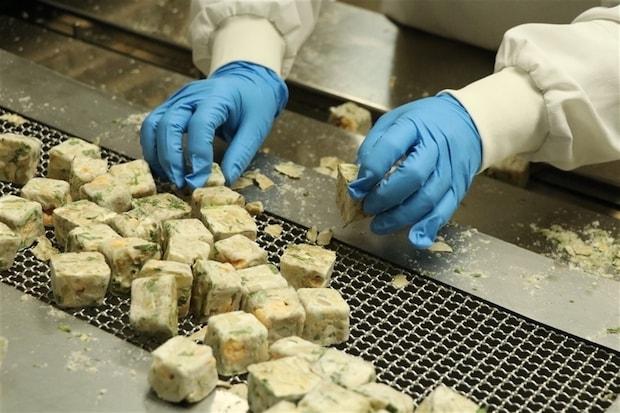 おいしさを真空パックできるフリーズドライ製法なので、魚の旨味がしっかりと表現されています。