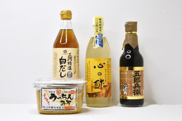 日本各地の調味料。