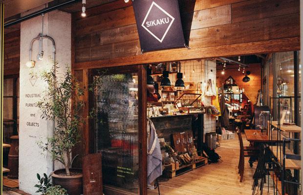 路面の雑貨店は、スタッフが数か月の時間をかけDIYで店づくりを行っていた。