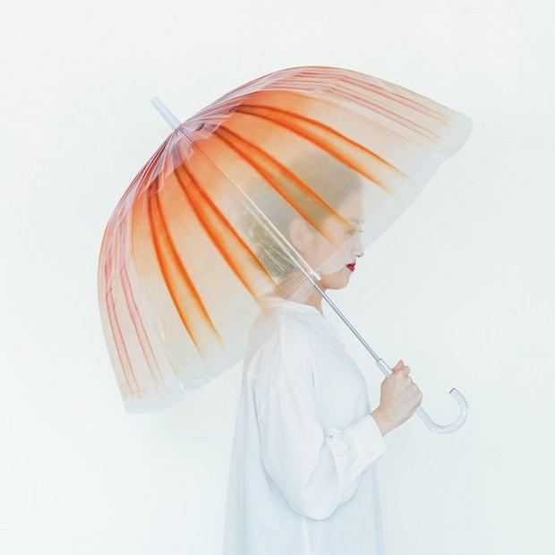 YOU+MORE!  雨空を泳ぐ アカクラゲの傘 1,600円(税抜)