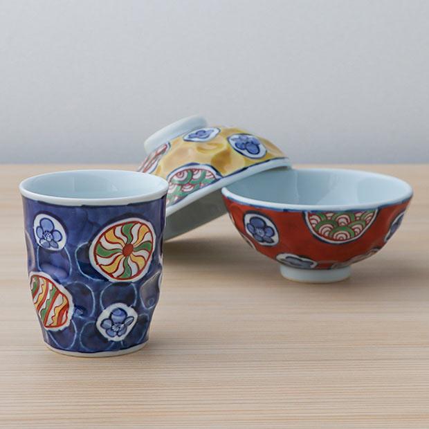 〈源右衛門窯〉の湯呑みやお茶碗