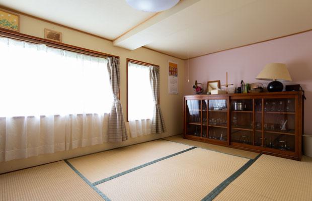 客室は1階と2階にひと部屋ずつの計2部屋。