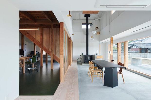 奈良にある〈NEW LIGHT POTTERY〉のオフィス兼ショールーム。設計:ninkipen! 竣工年:2018年 写真:河田弘樹