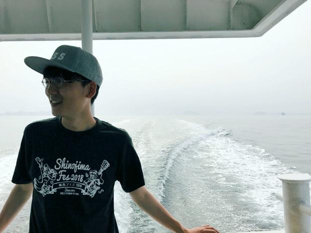 篠島に渡るフェリーは風が気持ちいい。