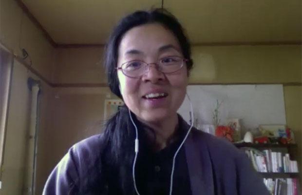 岩見沢市の山間地、美流渡に移住した來嶋路子さんは編集者。東京の仕事をしながら、〈森の出版社ミチクル〉として自分の出版活動も。