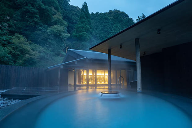 透明で柔らかな湯ざわりが特徴の泉質。