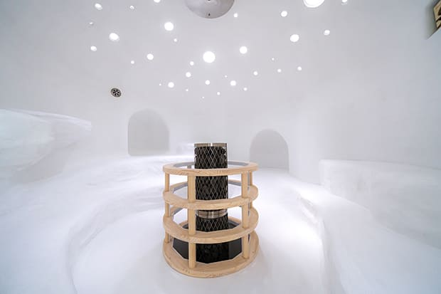 「らかんの湯」女性大浴場のサウナ。