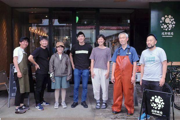 〈CAMOSIBA〉の阿部円香さんと松橋真美さん、サイダーメーカーの及川貴史さんが〈遠野醸造〉に集結!