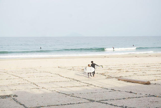 マス目がひかれたビーチ