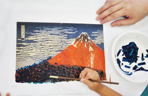 ワークショップの一環として、未就学児を対象にした「しずびチビッこプログラム」も実施。(写真提供:静岡市美術館)