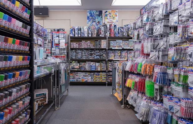 各メーカーの人気商品や新商品などが販売されるオフィシャルショップ。(写真提供:静岡ホビースクエア)