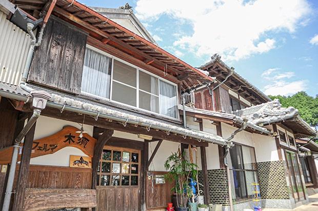 100年は経っているという風情あるフェルマ木須の家屋。