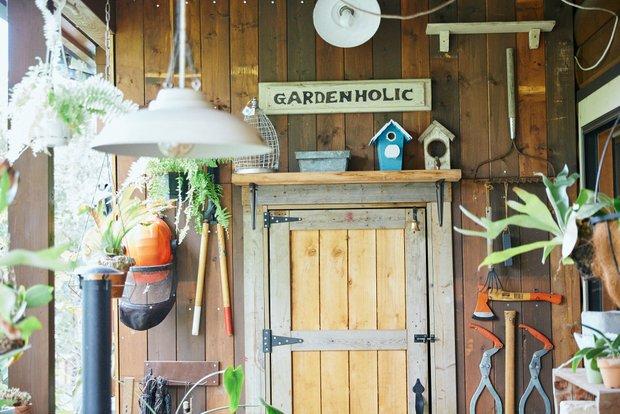 ご自宅に隣接するガーデンホリックの事務所。ありのまま暮らしの様子が見られると顧客からの評判もいい。