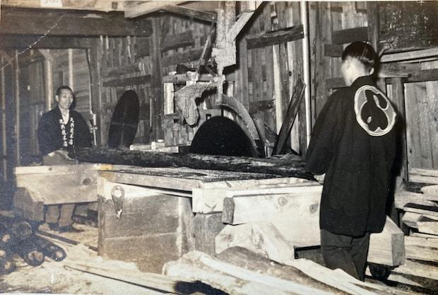 MARUYO HOTEL Sembaは、明治創業「丸与木材」の本家をリノベーションしてできた宿。