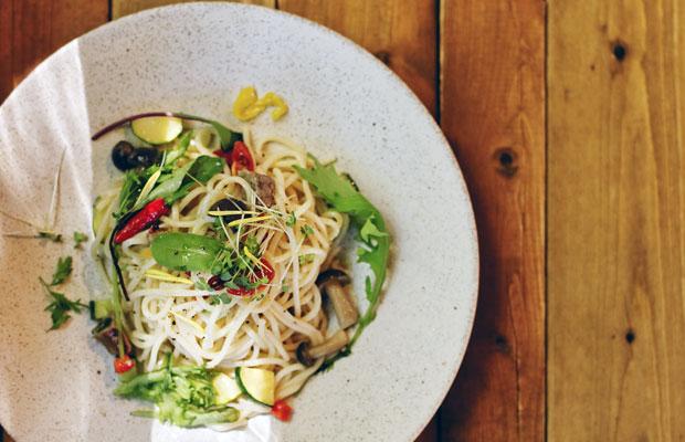 「七谷野菜のペペロンチーノ」。生パスタを使うことで、もっちりとした食感に。