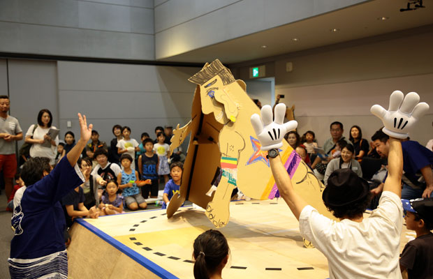 2019年に開催されたKOSUGE1-16「どんどこ! 巨大紙相撲〜両国すみゆめ場所」。
