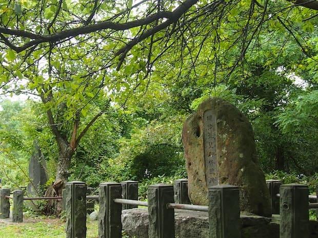 現在は石碑が立っているこの場所は地元の方の散歩コースとして親しまれています。