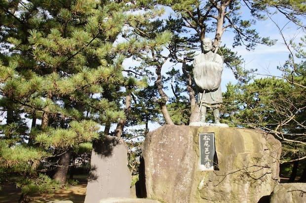 蚶満寺(かんまんじ)にある松尾芭蕉の句碑。