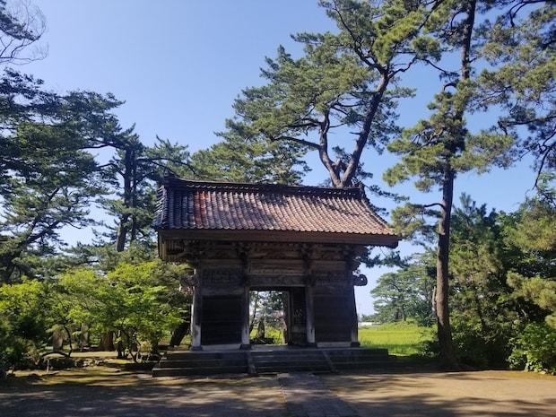 蚶満寺は、芭蕉も訪れたとされる場所。