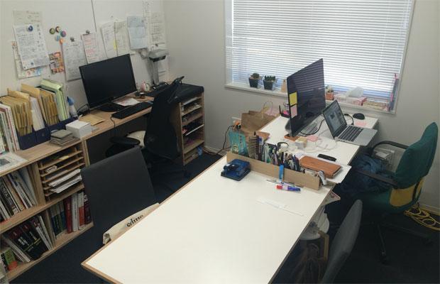 当時は、市のインキュベート施設内の5坪ほどのスペースを事務所として賃貸していました。