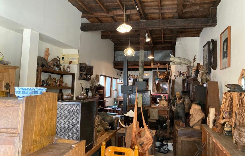 旭川市〈tomipase(トミパセ)〉「買物公園」の空き店舗を骨董品店へリノベーション