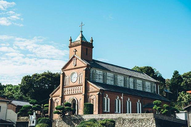 毎日の祈りの場として、島民の手により大切に守られてきた黒島天主堂。写真:ただ(ゆかい)
