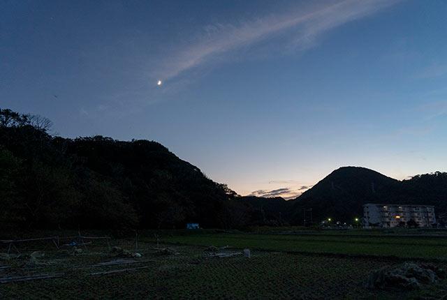 下田の夜空